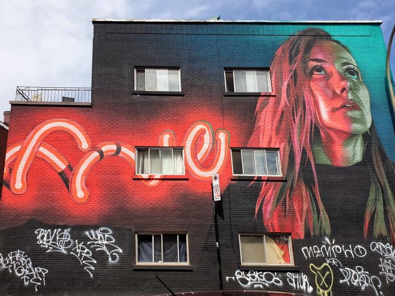 Street art on Rue Saint-Cuthbert